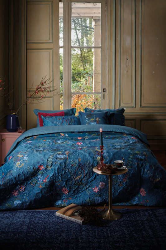 Bedding House Chinese Porcelain Quilt_Blue-00_Mood